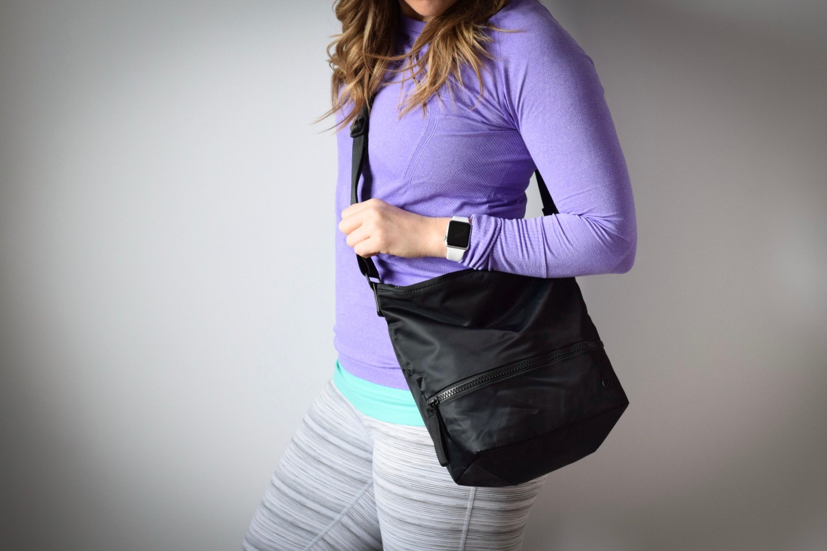 Review: Lululemon Go Lightly Shoulder Bag